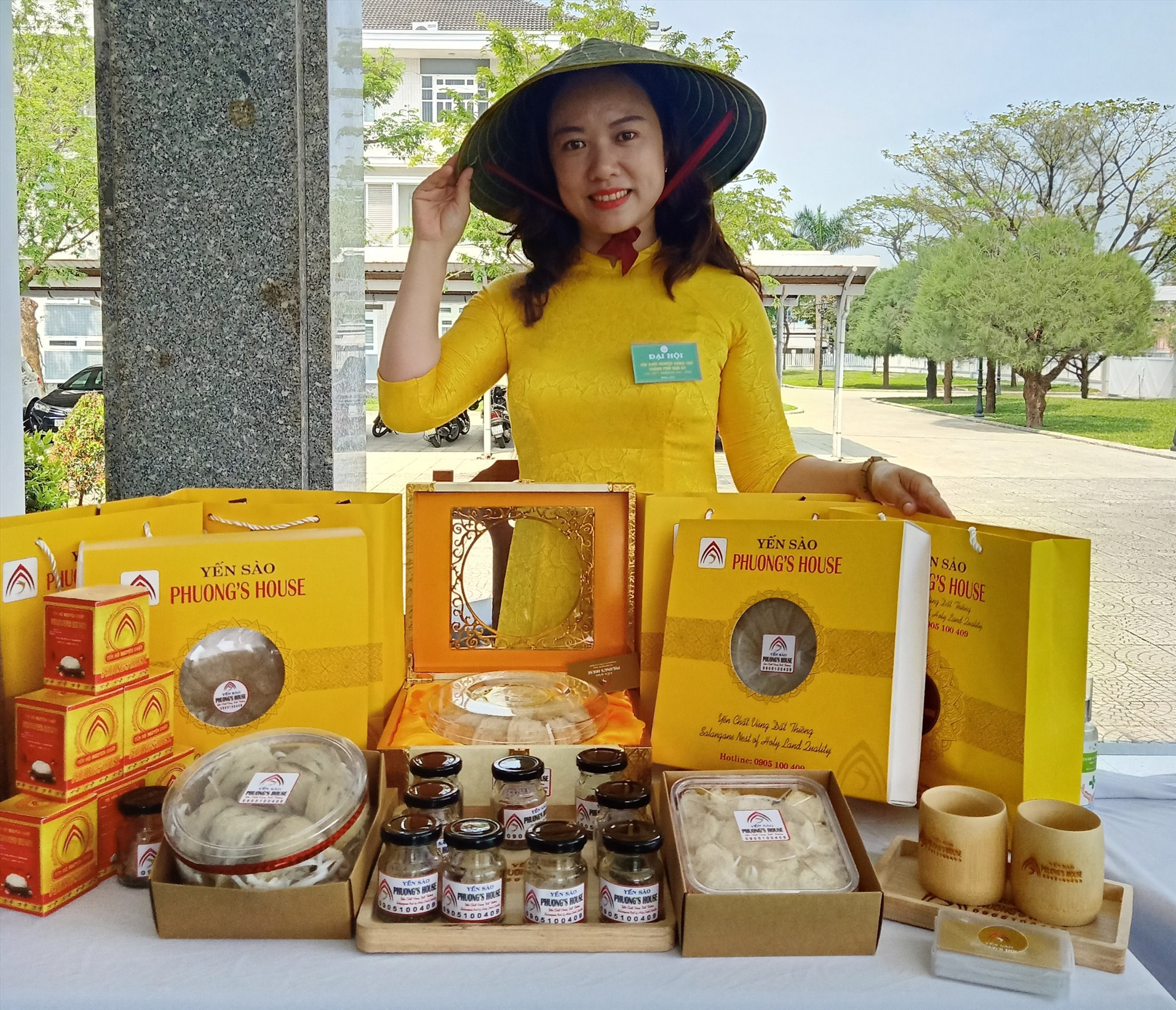 Le Viet Binh Phuong and her products of edible bird's nest