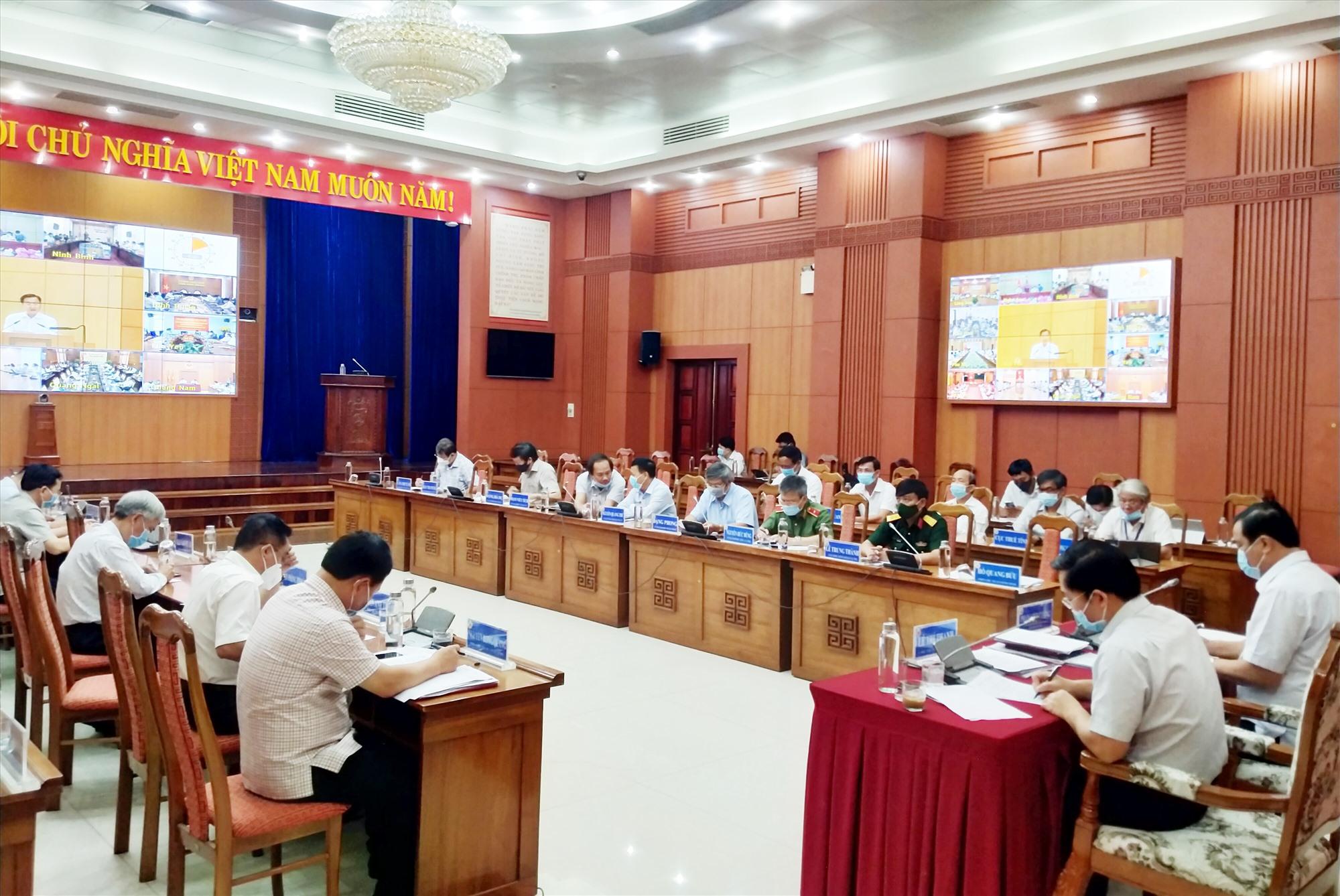 Quang cảnh hội nghị tại điểm cầu Quảng Nam sáng 11.8. Ảnh: N.Đ