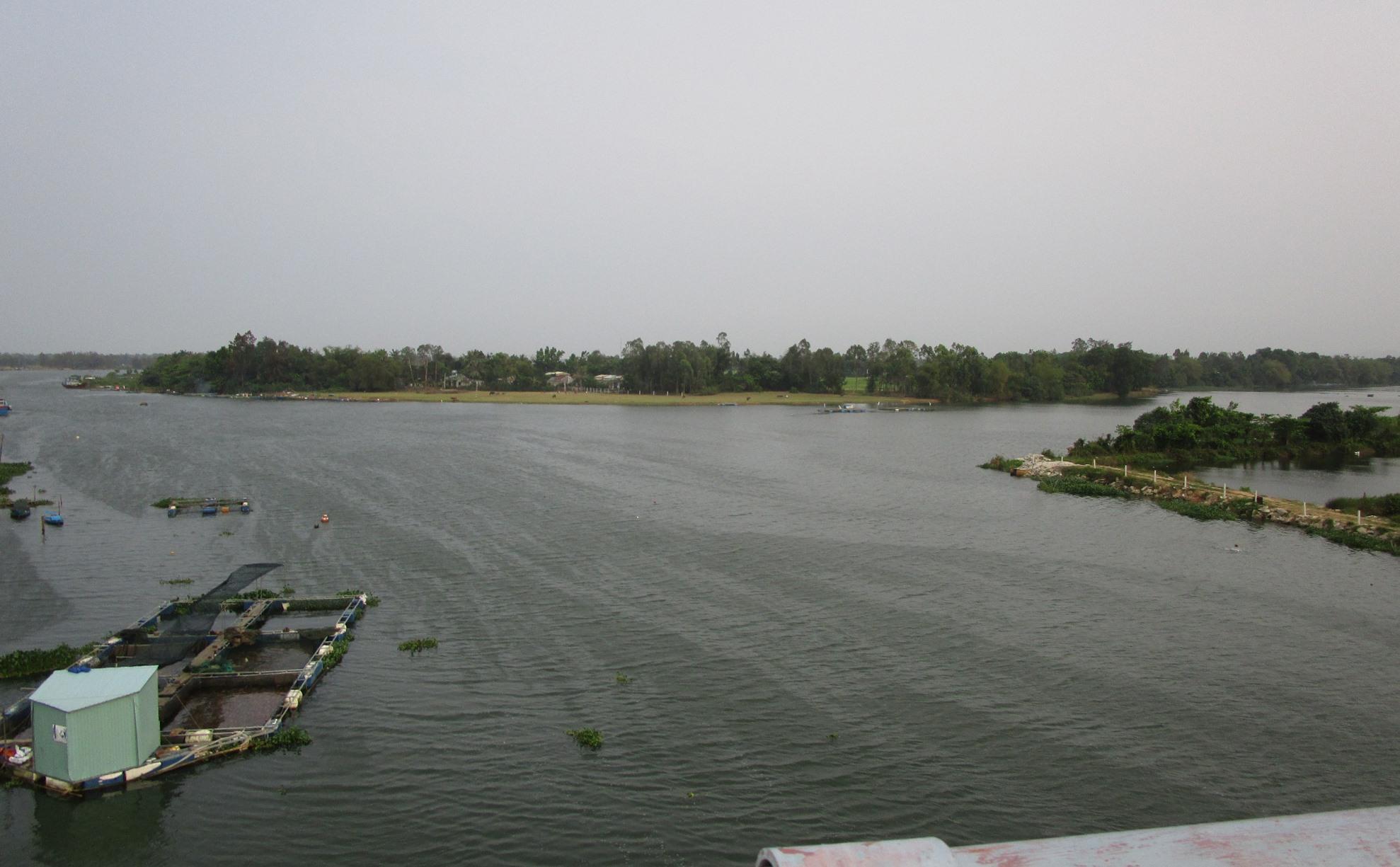 Ngã ba sông Tam Kỳ. Ảnh: PHÚ BÌNH