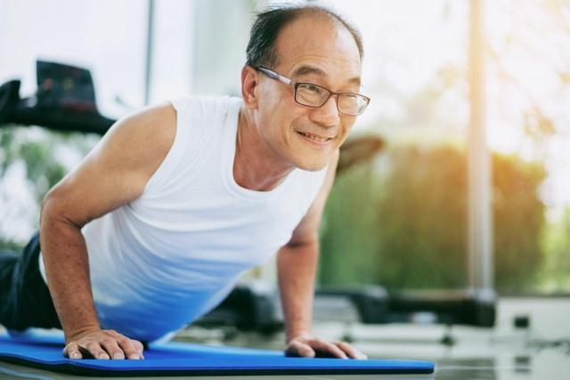 Tập luyện thể lực làm tăng mật độ xương từ 1-3% và giảm 41% nguy cơ tử vong do bệnh tim