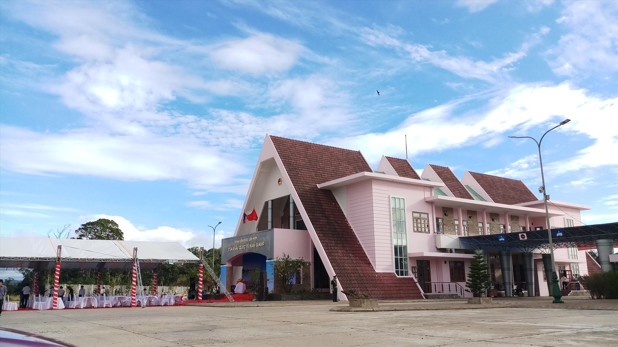 Nam Giang – Dak Ta-Ook border gate between Quang Nam province and Sekong province (Laos)