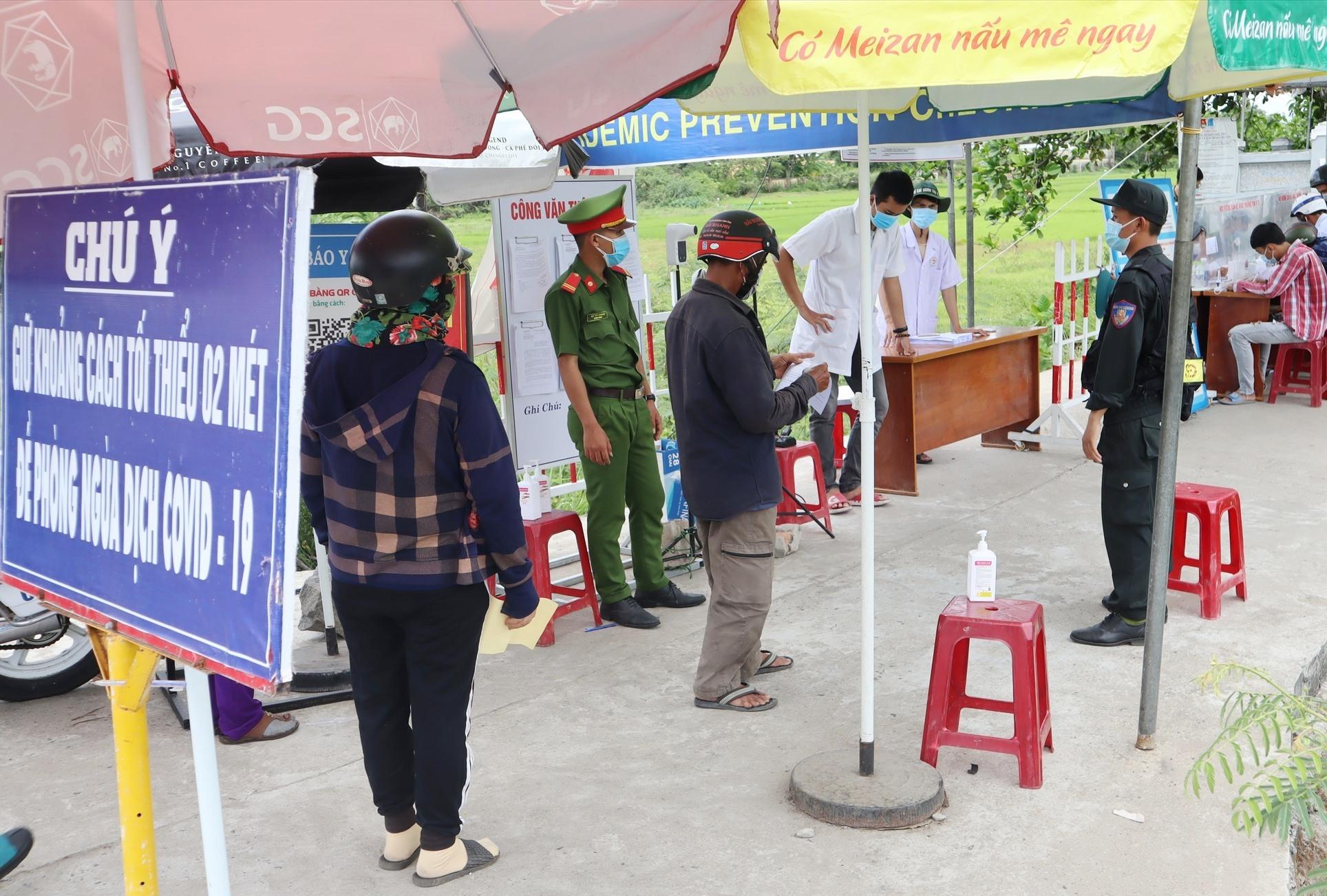 Từ 0 giờ ngày 16.8, người dân Điện Bàn chỉ được ra đường trong các trường hợp thực sự cần thiết. Ảnh: Q.T