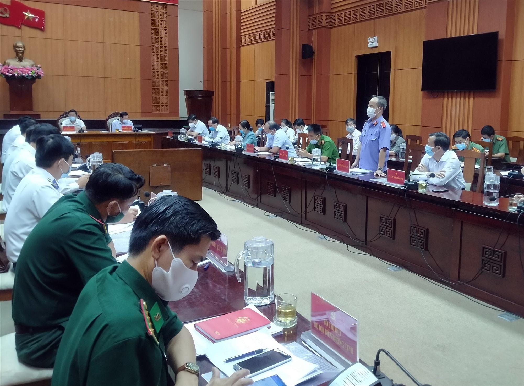 Chấn chỉnh hoạt động công chứng trên địa bàn tỉnh là nội dung được các cơ quan tư pháp tư nêu ra tại hội nghị giao ban công tác nội chính 6 tháng đầu năm 2021 của Thường trực Tỉnh ủy. Ảnh: NGUYÊN ĐOAN