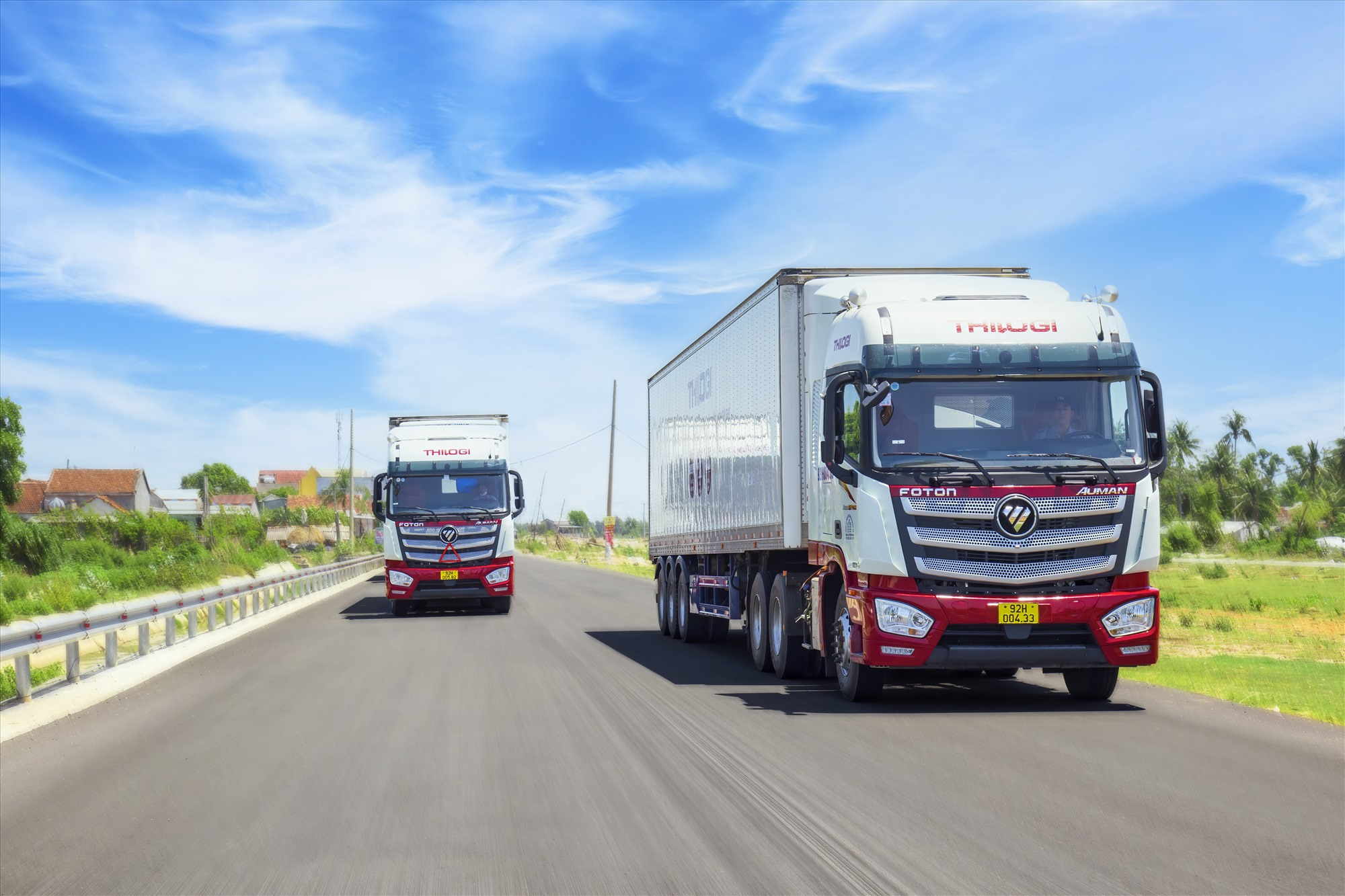 Xe của THILOGI vận chuyển nông sản cho khách hàng.