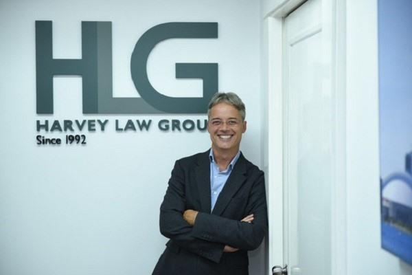 Ông Jean-François Harvey - Nhà sáng lập kiêm luật sư điều hành toàn cầu, tập đoàn Harvey Law Group.