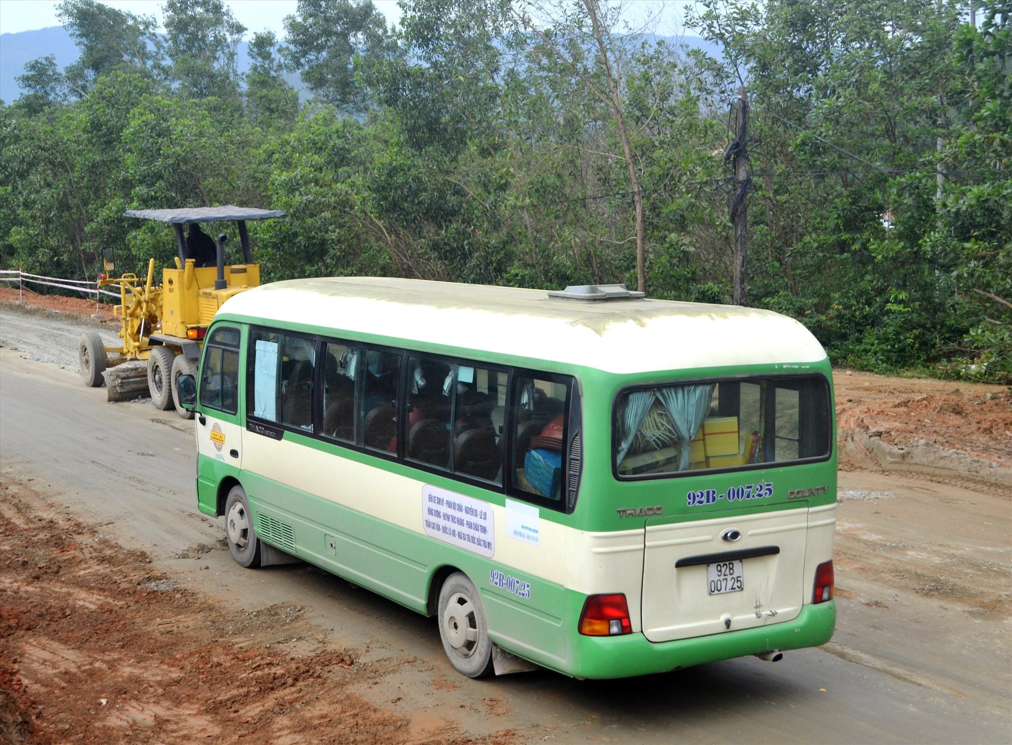 HTX Vận tải và kinh doanh tổng hợp TP.Tam Kỳ đầu tư xe khai thác tuyến buýt Tam Kỳ-Bắc Trà My. Ảnh: C.T