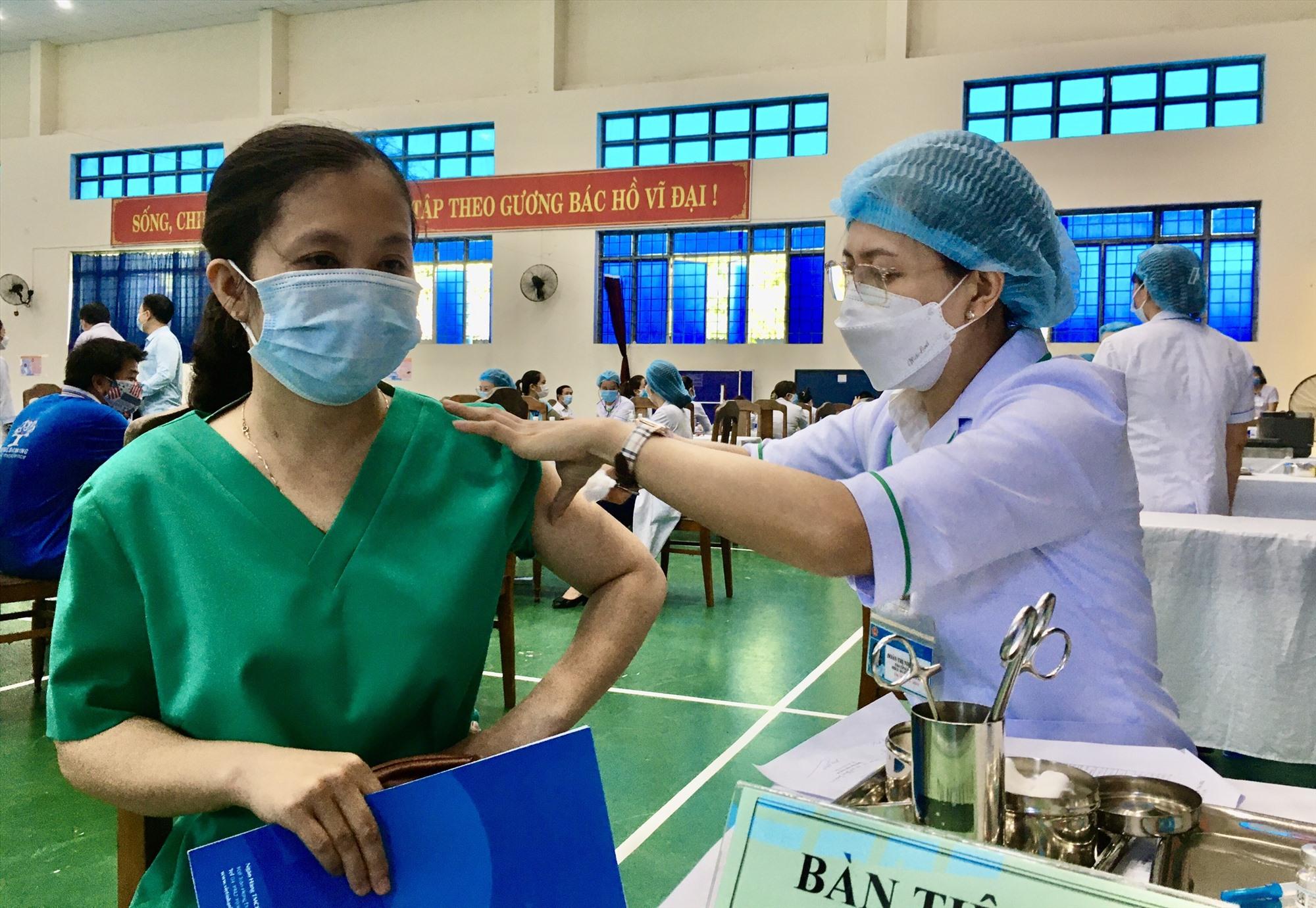 Sở Y tế đã triển khai tiêm vắc xin đợt 3 trong 2 ngày 29 - 30.7.