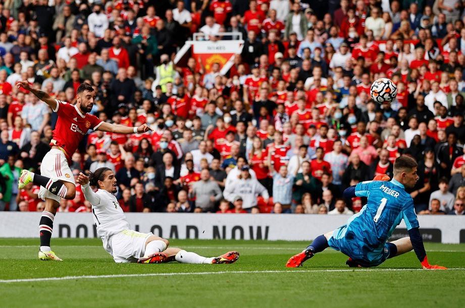 Sân Old Trafford trong trận MU tiếp Leed đông nghẹt khán giả. Ảnh: Internet