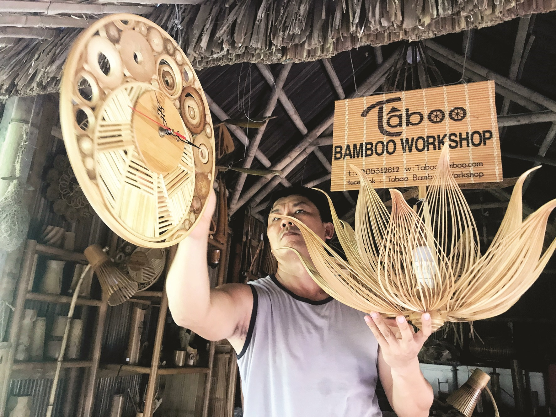 Bamboo products are carefully checked before being sent to customers.  Recently, Mr. Tan's workshop focuses on manufacturing high-end decorative items such as watches, lanterns of various designs, flower vases, phone cover, etc. mainly under domestic orders.