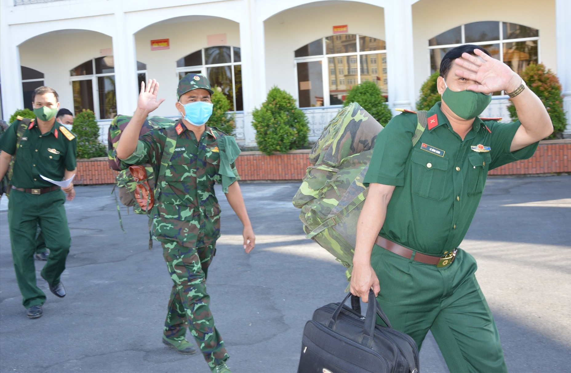 36 quân nhân thuộc LLVT tỉnh sẵn sàng lên đường làm nhiệm vụ phòng chống Covid-19 trên tuyến biên giới.