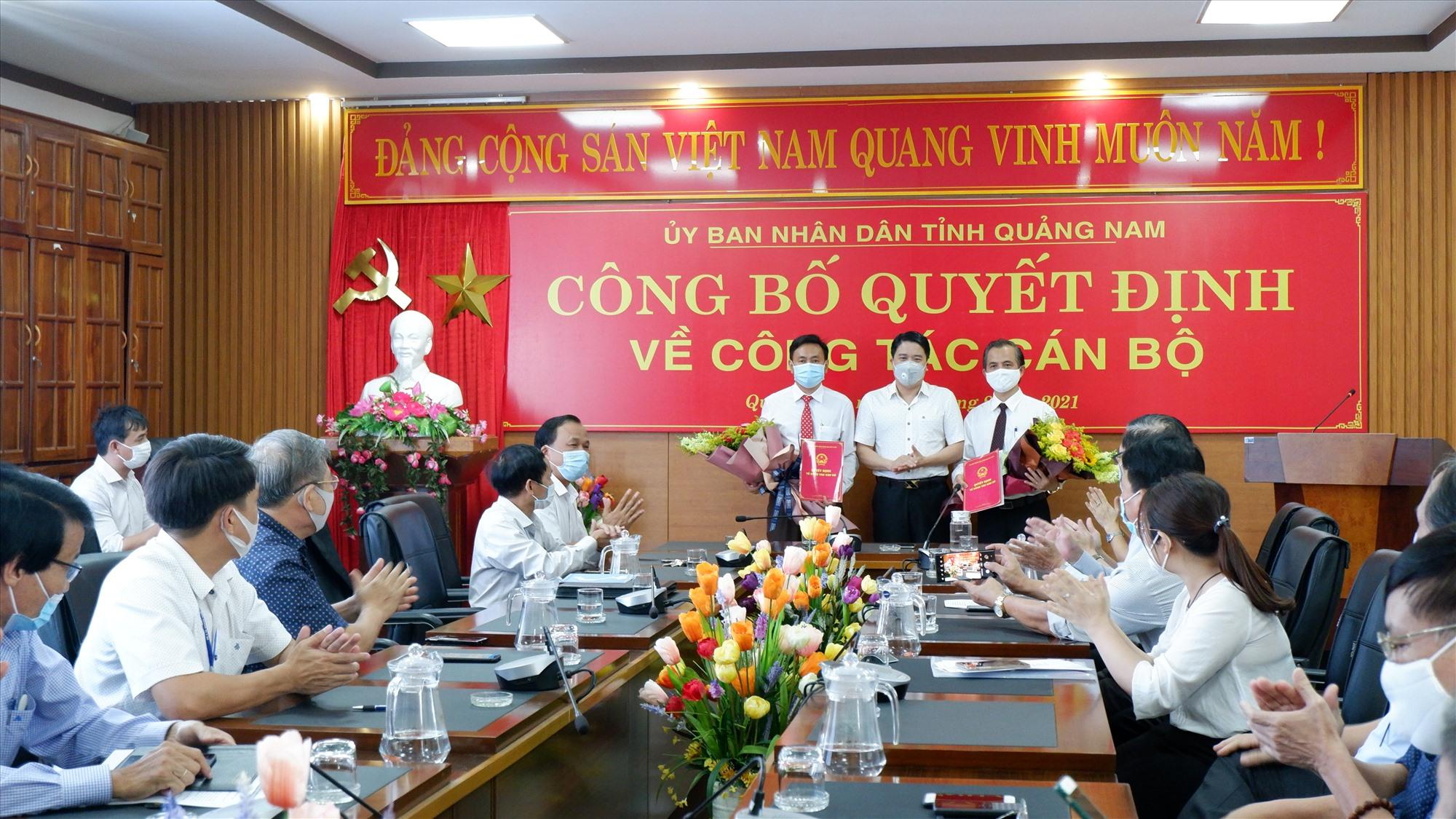 Ông Dương Ngọc Vinh và ông Huỳnh Thuận sẽ nhận nhiệm vụ là Phó Giám đốc Sở Y tế vào ngày 1.9. Ảnh: X.H