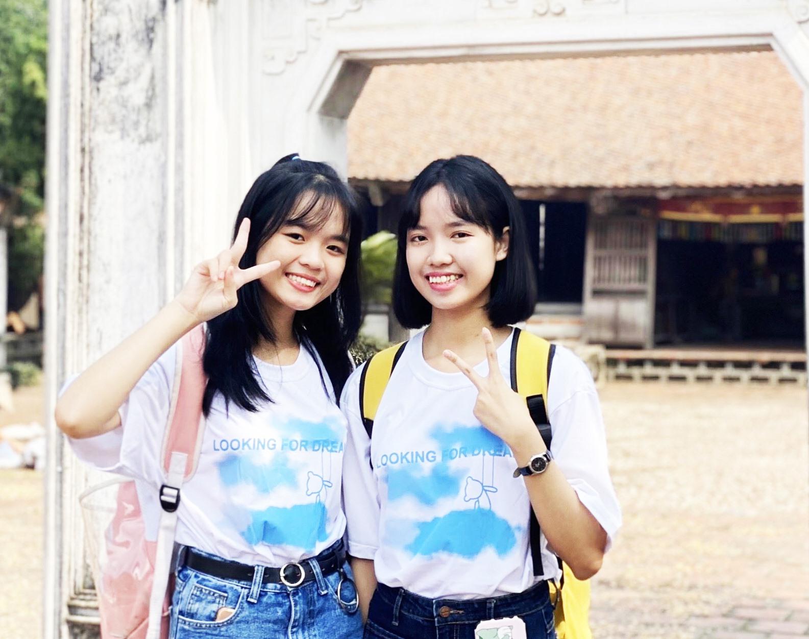 Đôi bạn Quỳnh Hương và Thiên Quỳnh. Ảnh: NVCC
