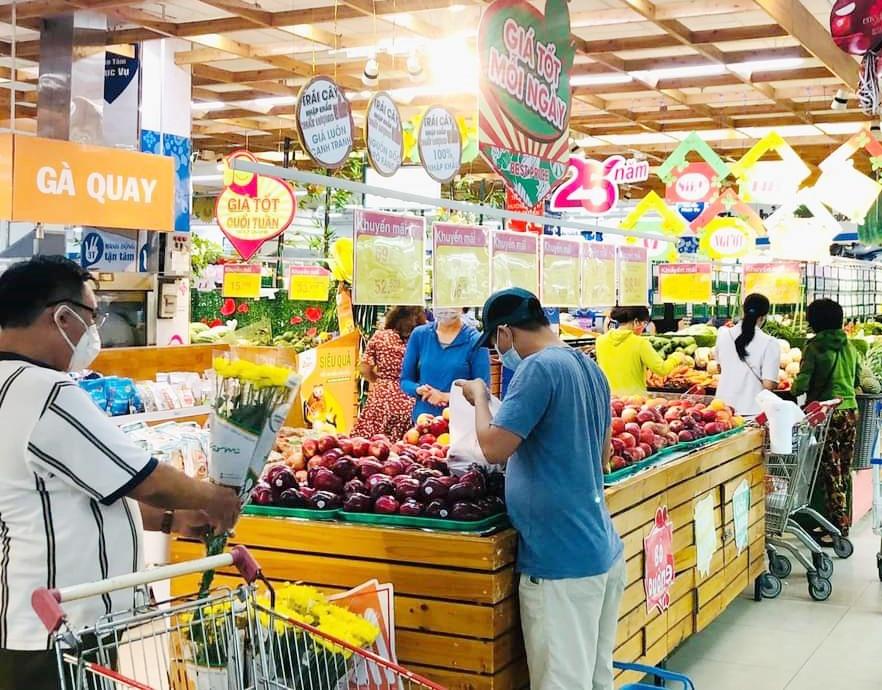 Hàng hóa tại các siêu thị và chợ ở Quảng Nam vẫn đảm bảo bảo cung ứng cho người dân. Ảnh: V.L