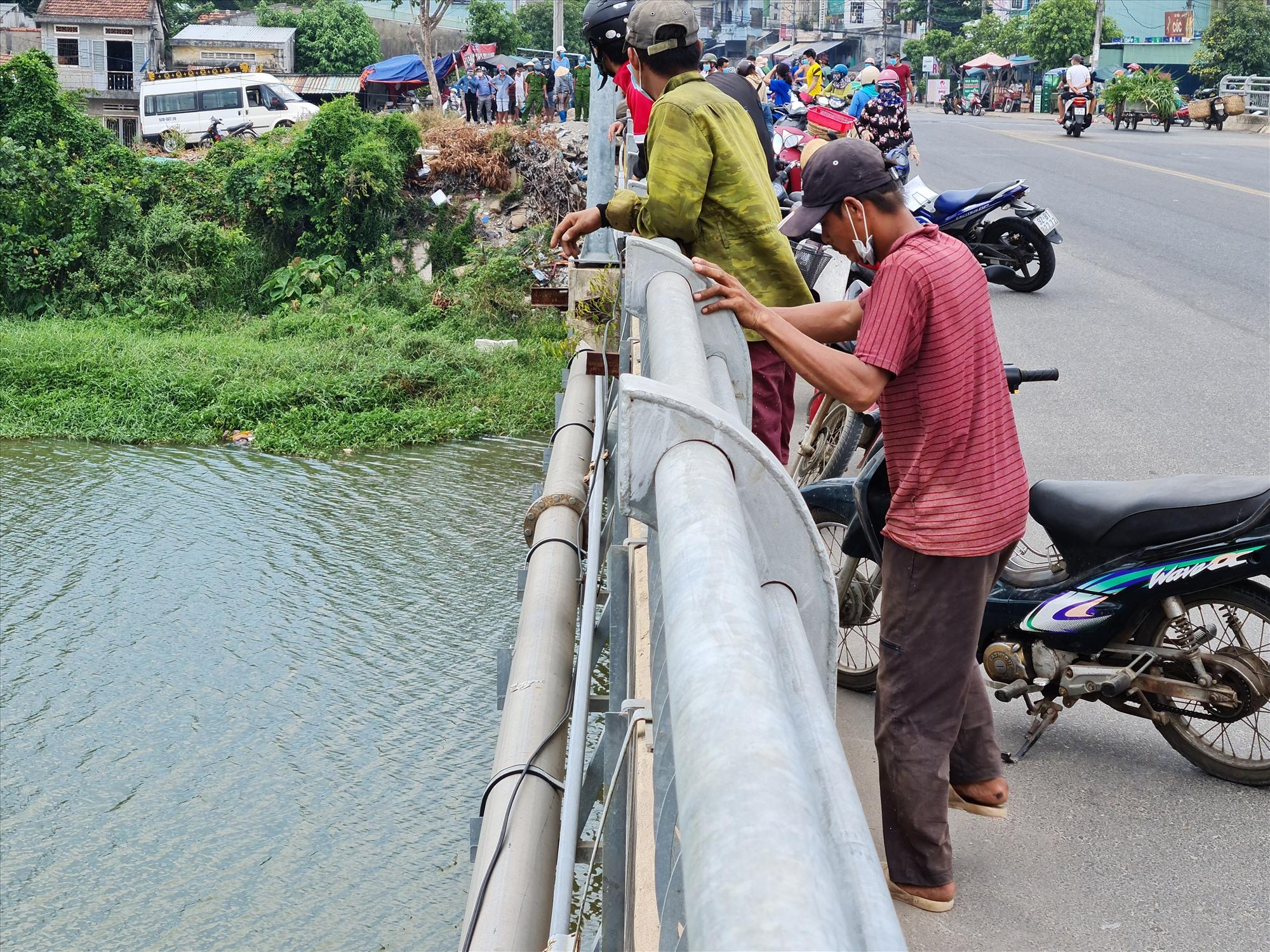 Khu vực cầu Một trên sông Bàn Thạch giáp ranh giữa phường An Phú và Phước Hòa, Tam Kỳ. Ảnh: T.N