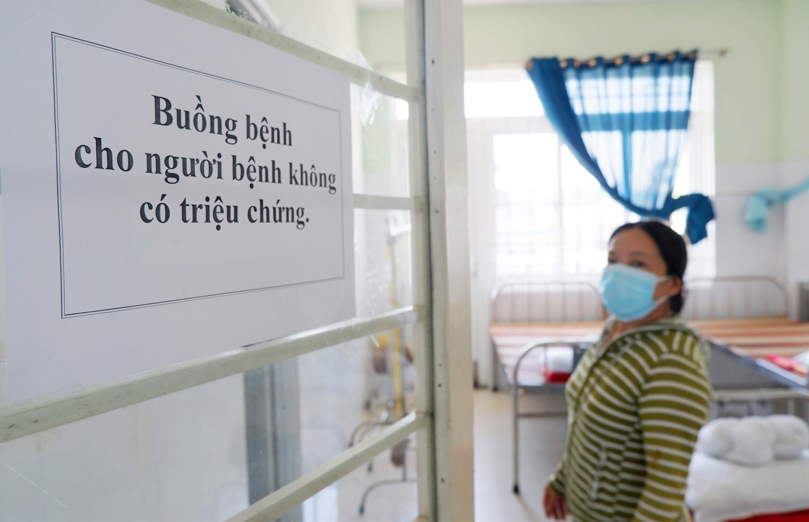 Bộ Y tế quy định nếu nồng độ vi rút dưới 30 (CT<30) thì cho phép người bệnh ra viện. Ảnh: X.H