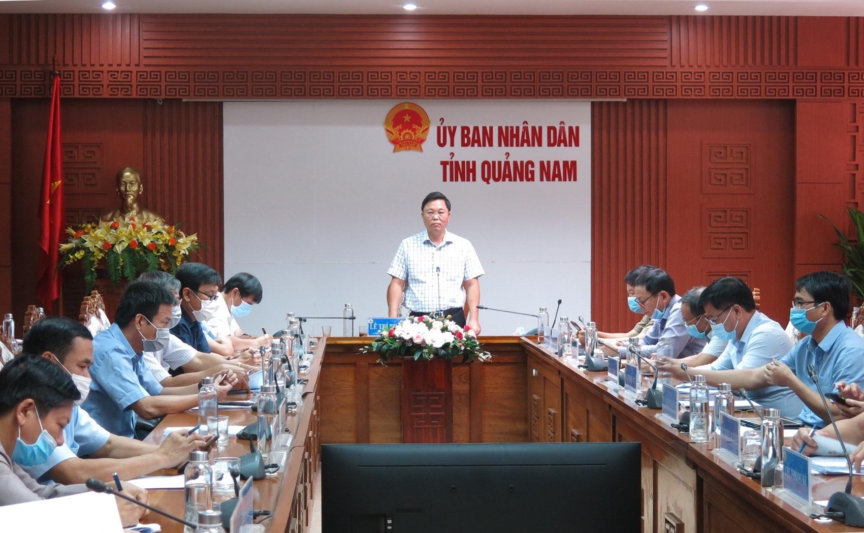 Chủ tịch UBND tỉnh Lê Trí Thanh chủ trì.