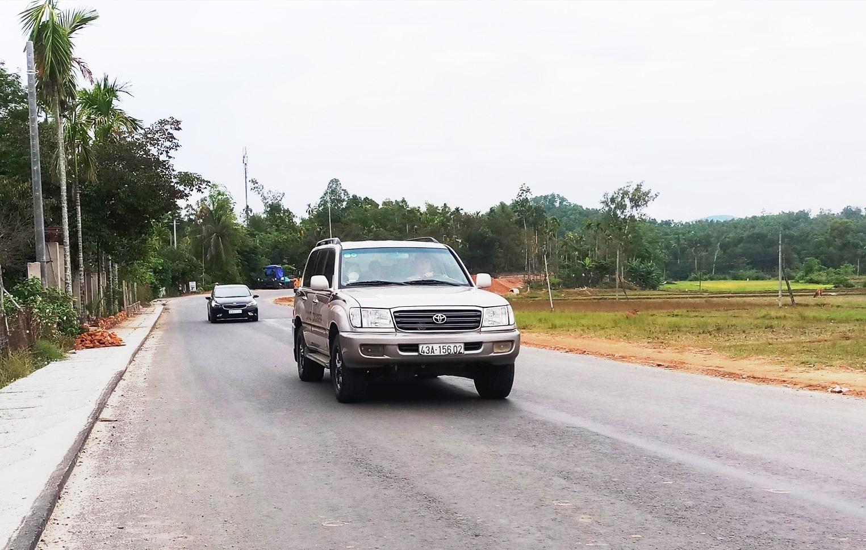 Tuyến đường Quốc lộ 40B đoạn từ đường vào tuyến vào cao tốc Đà Nẵng - Quảng Ngãi đến đường tránh thị trấn Tiên Kỳ cơ bản đã hoàn thành.
