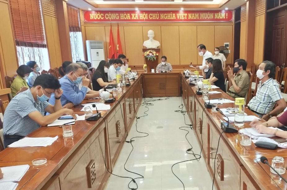 Phó Chủ tịch UBND tỉnh Trần Anh Tuấn chủ trì buổi làm việc. Ảnh: T.C