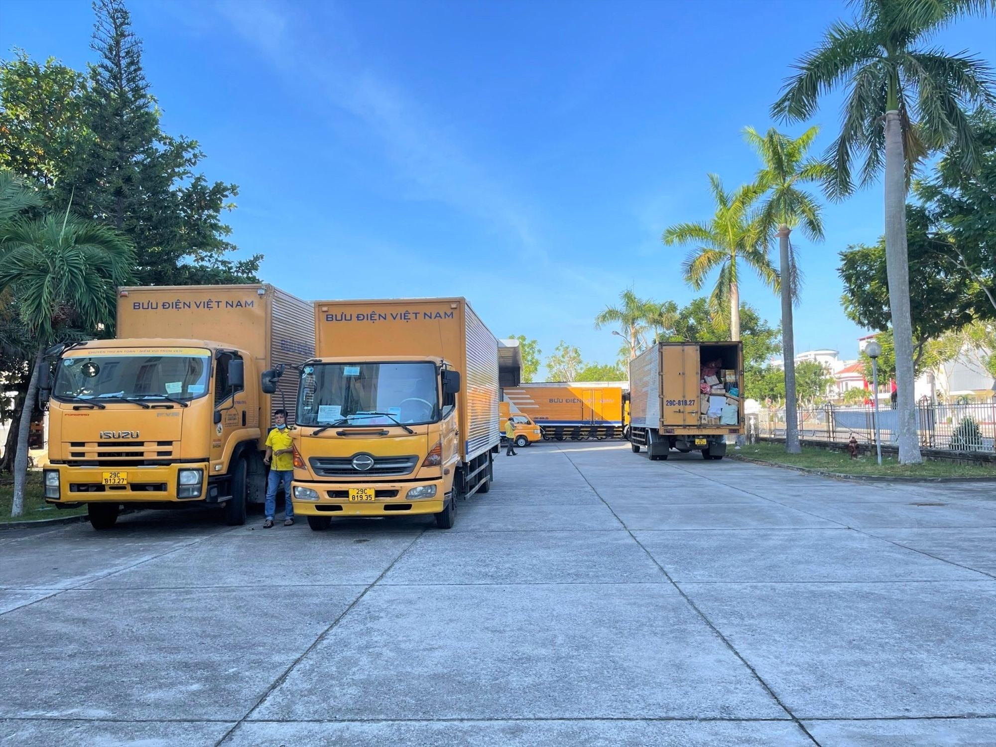Hạ tầng logistics là mắt xích quan trọng trong phát triển thương mại điện tử. Ảnh: A.Q