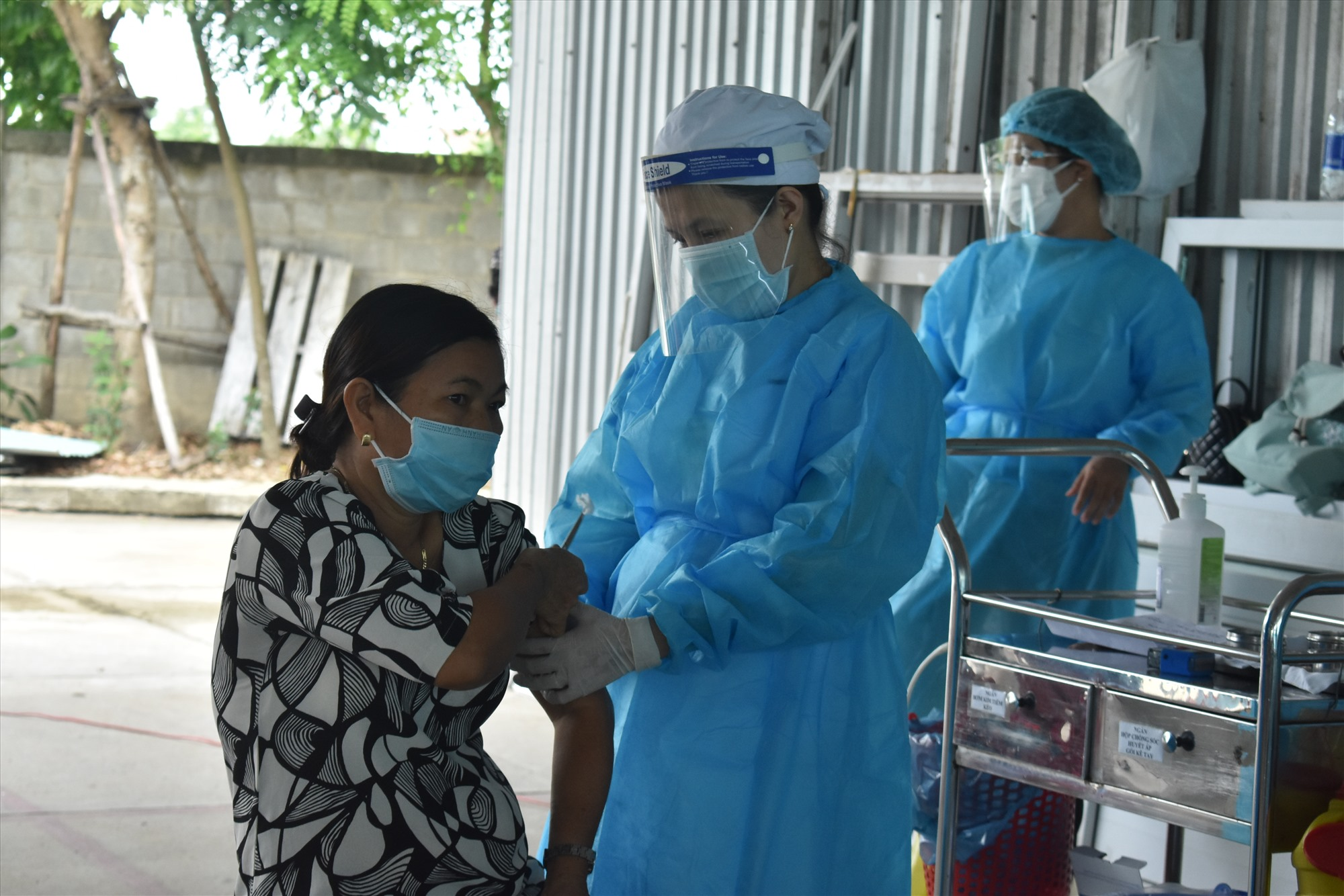 Việc tiêm vắc xin ngừa Covid-19 cho giáo viên mẫu giáo cũng sẽ giúp bảo vệ sức khỏe cho học sinh