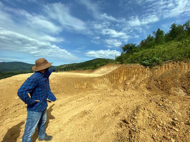 Hiện trường sau ủi đồi núi xây dựng trang trại tại núi Đá Ngựa. Ảnh: H.P