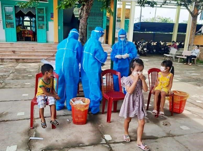 Thị xã Điện Bàn đã tốc lực truy vết trong các ngày 8 - 10.9. Ảnh: M.T