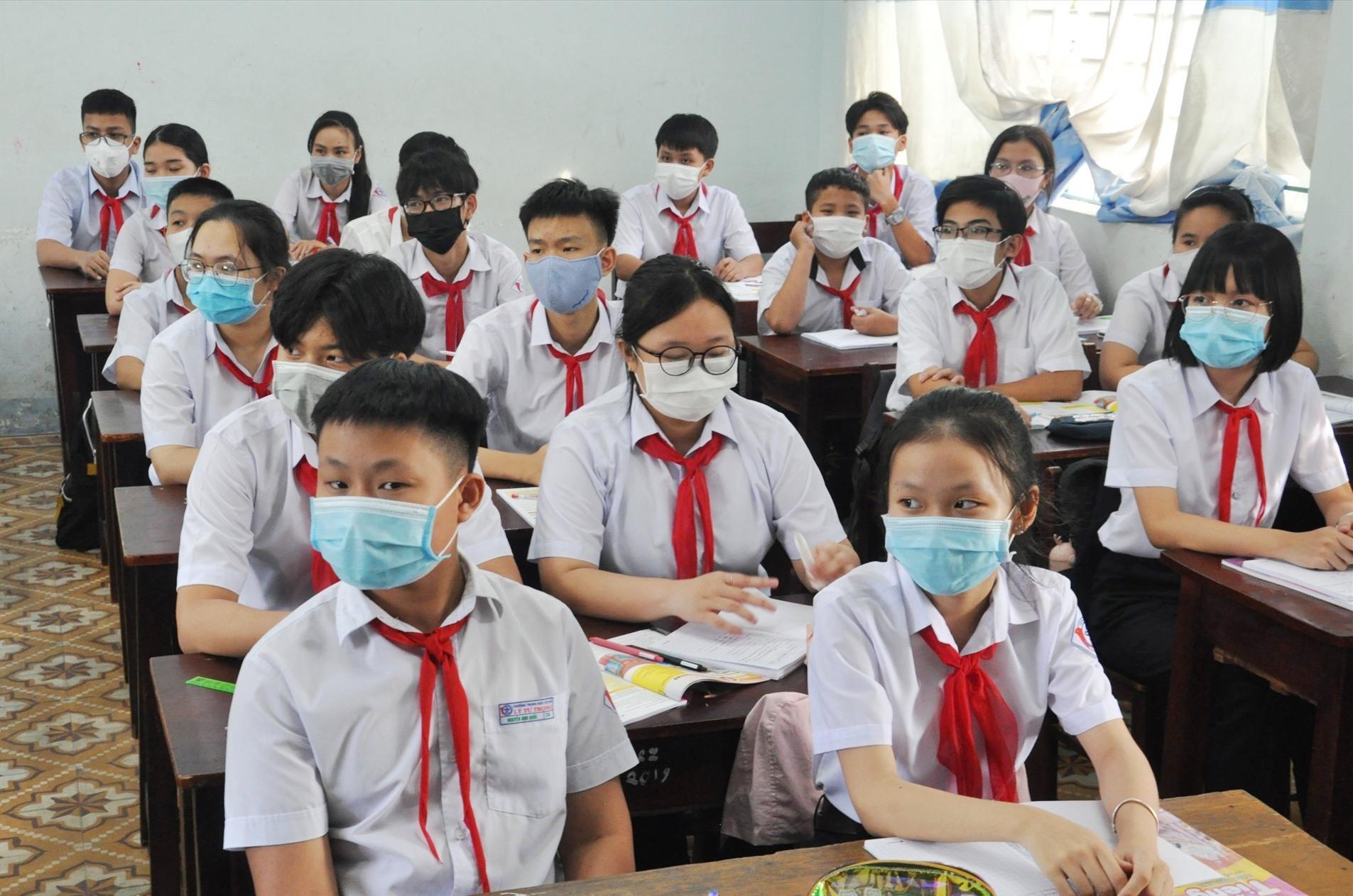 Học sinh toàn tỉnh nghỉ học tránh bão số 5