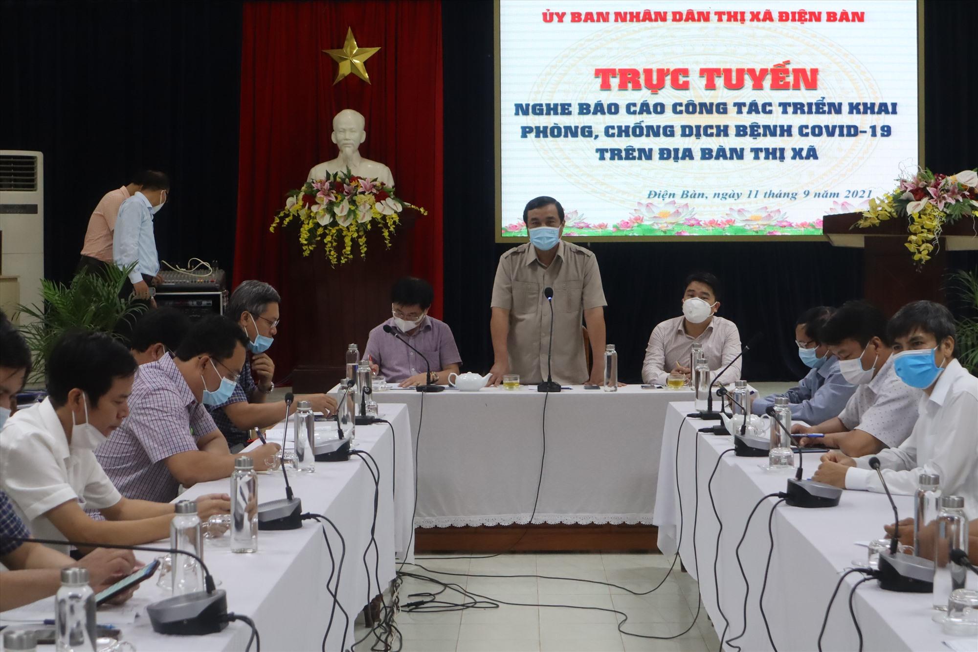 Bí thư Tỉnh ủy Phan Việt Cường yêu cầu Điện Bàn quyết liệt dập dịch không để bùng phát mạnh. Ảnh: Q.T