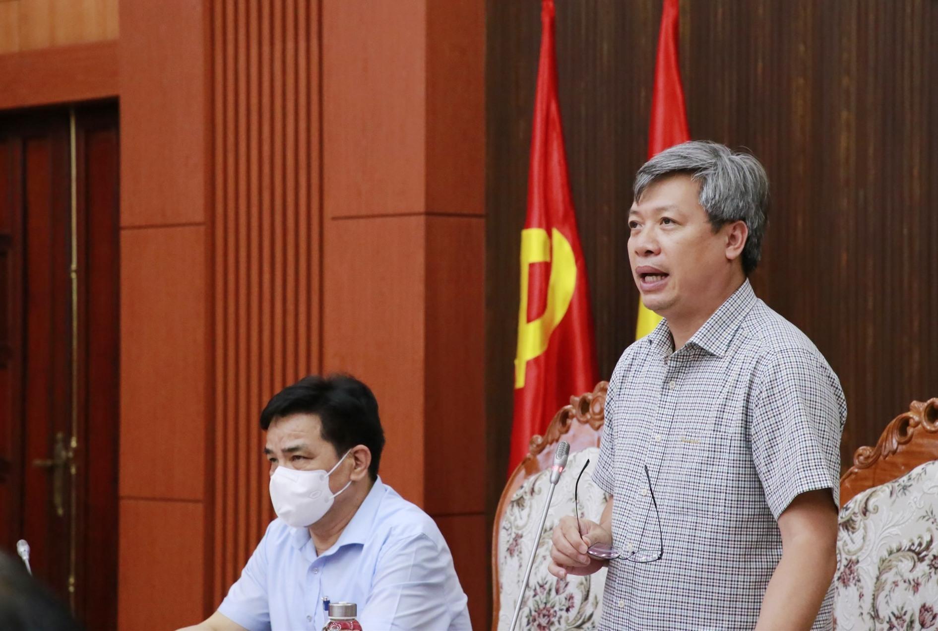 Phó Chủ tịch UBND tỉnh Hồ Quang Bửu phát biểu tại hội nghị. Ảnh: T.C