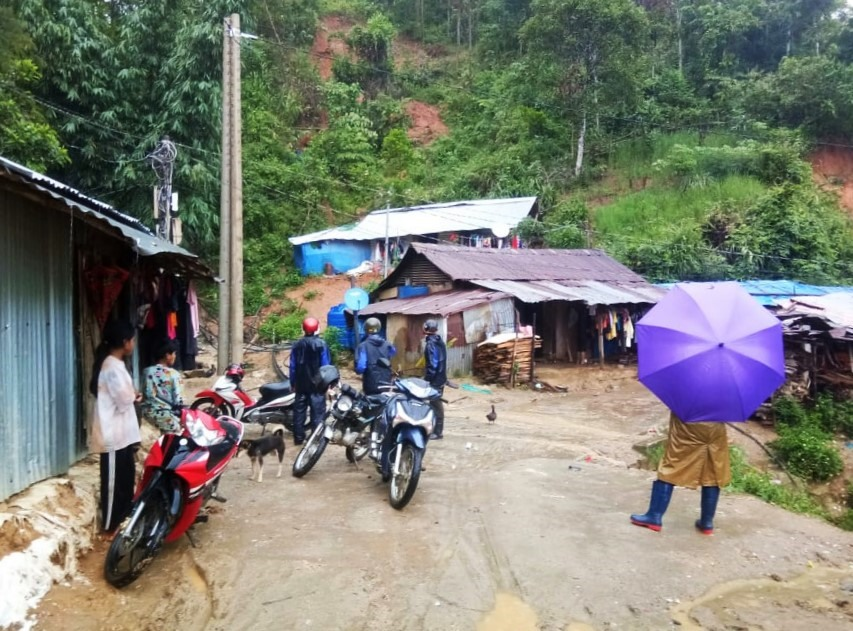 Các địa phương miền núi tiến hành sơ tán người dân tại các điểm có nguy cơ sạt lở. Ảnh: X.L