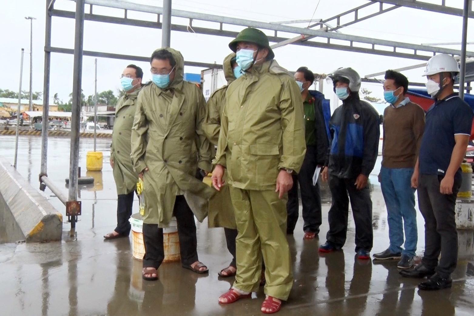 Bí thư Tỉnh ủy kiểm tra chống bão tai Tam Quang chiều 11.9