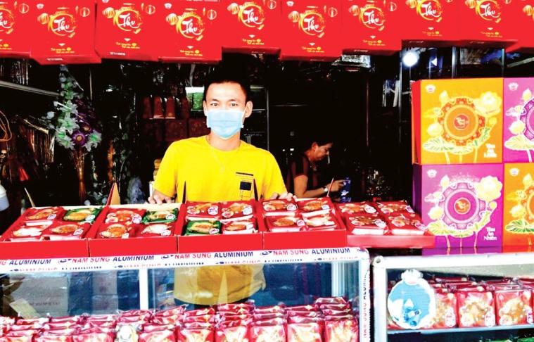 Quản lý chặt việc sản xuất và kinh doanh bánh trung thu để đảm bảo an toàn thực phẩm cho người tiêu dùng. Ảnh: Q.V