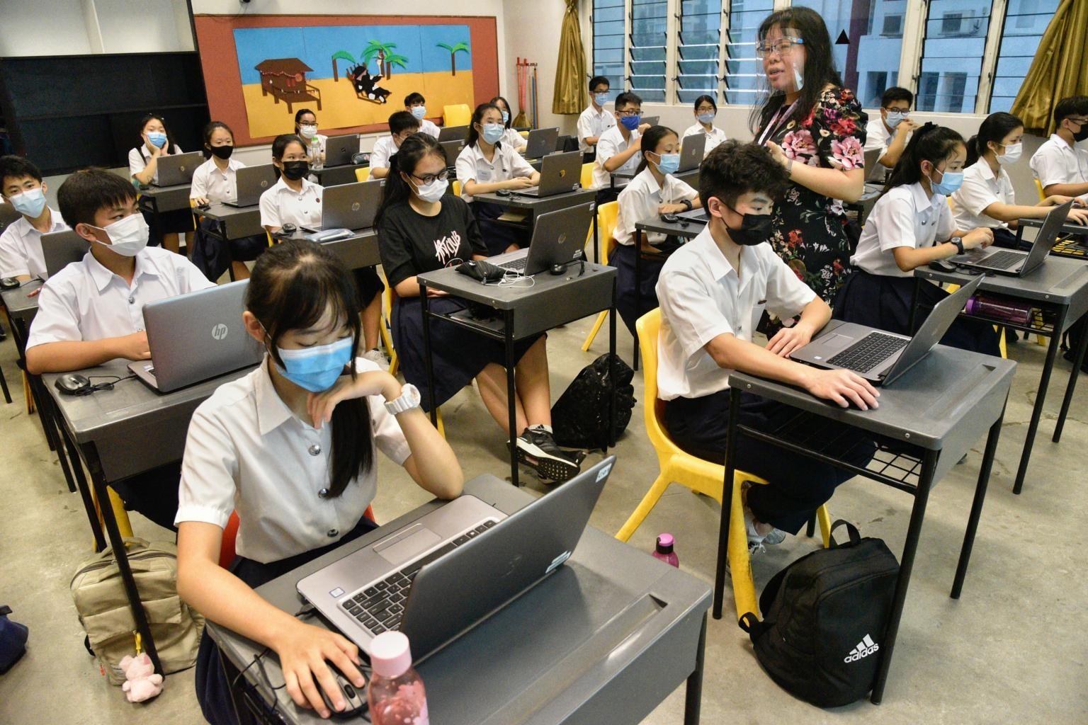 Một lớp học sử dụng công nghệ tại Singapore. Ảnh: ST