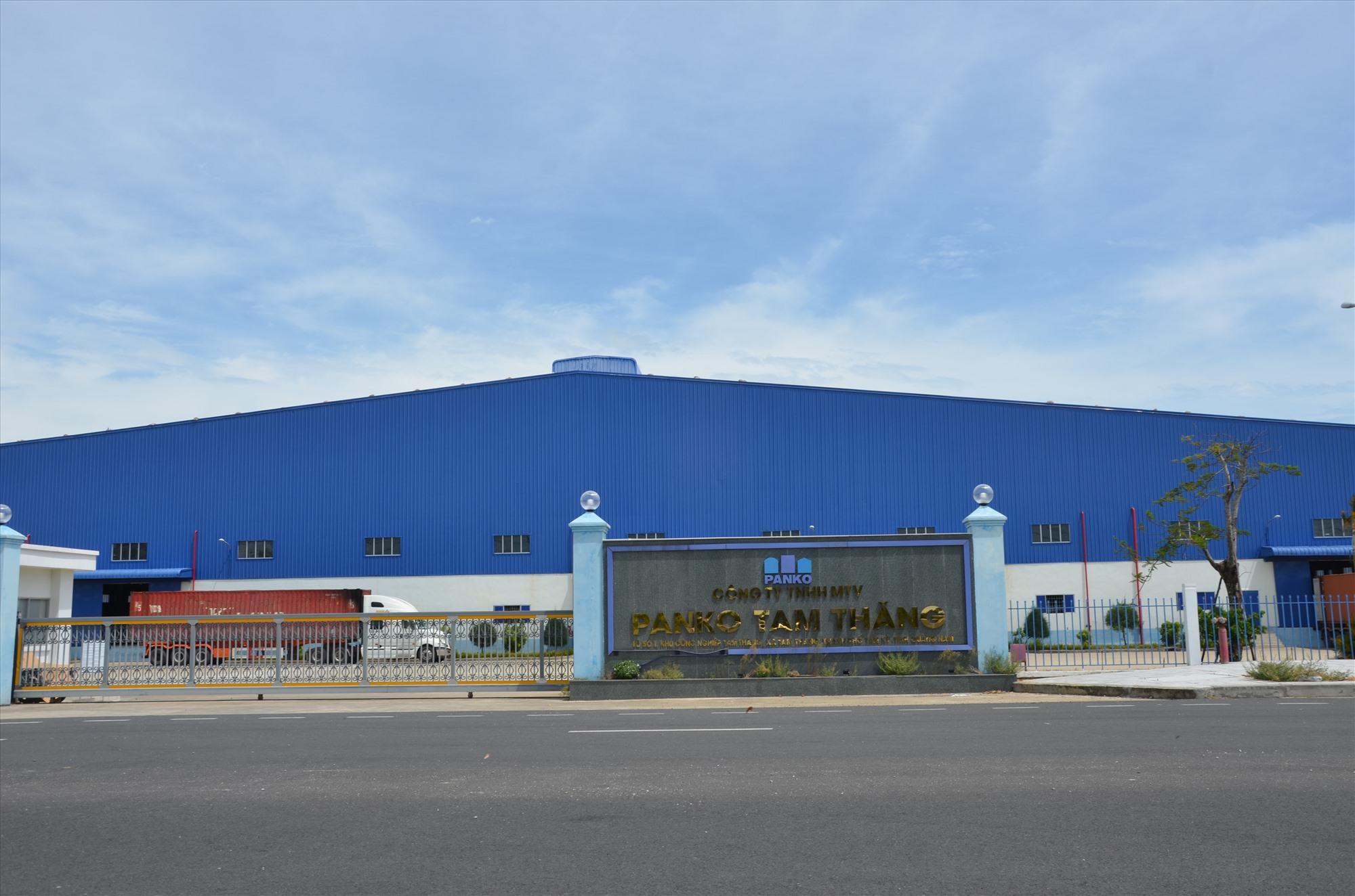 Các doanh nghiệp đến đầu tư đang lấp đầy diện tích tại Khu công nghiệp Tam Thăng. Ảnh: H.P