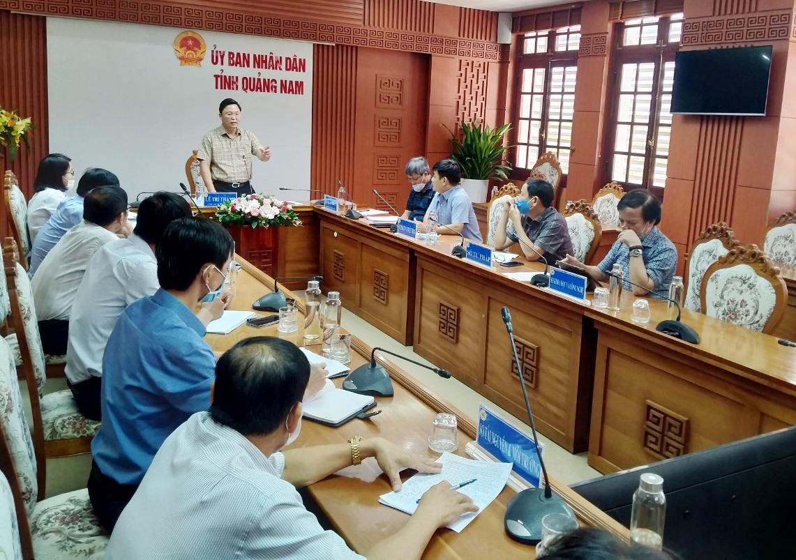 Chủ tịch UBND tỉnh Lê Trí Thanh chủ trì cuộc họp lấy ý kiến góp ý của lãnh đạo các sở, ngành đối với kết quả thực hiện Nghị quyết 03 ngày 27.4.2016 của Tỉnh ủy. Ảnh: N.Đ