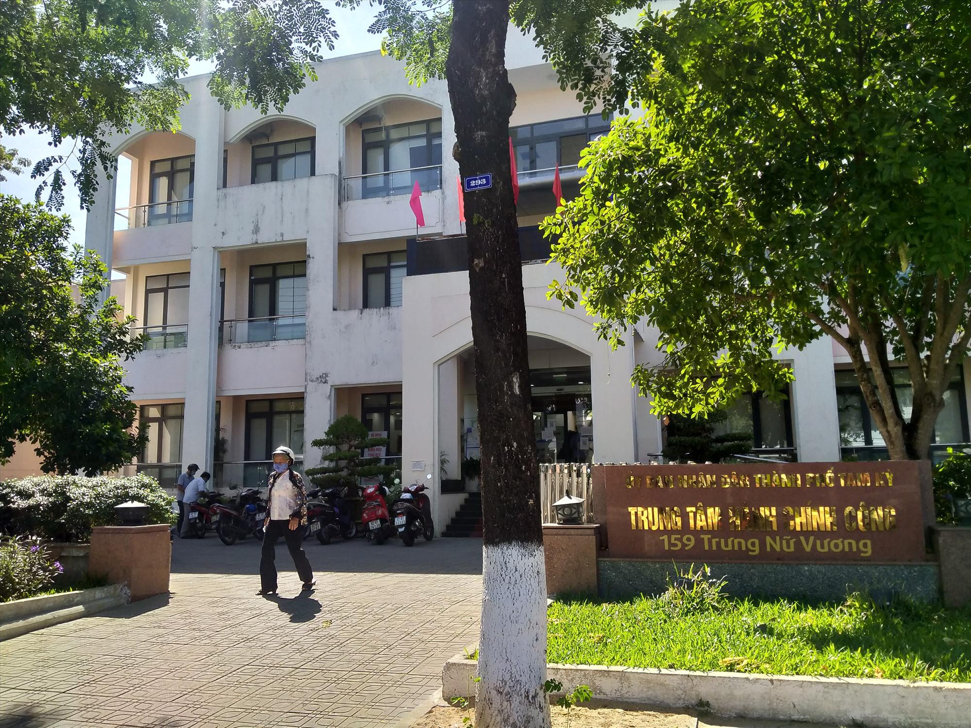 Trung tâm Hành chính công TP.Tam Kỳ đi vào hoạt động phục vụ tốt nhu cầu của người dân, tổ chức. Ảnh: N.Đ