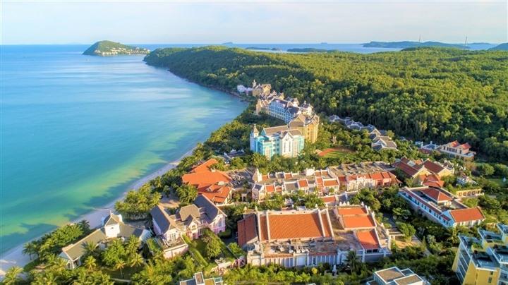 Khu nghỉ dưỡng JW Marriott Phu Quoc Emerald Bay Resort tại Nam đảo.