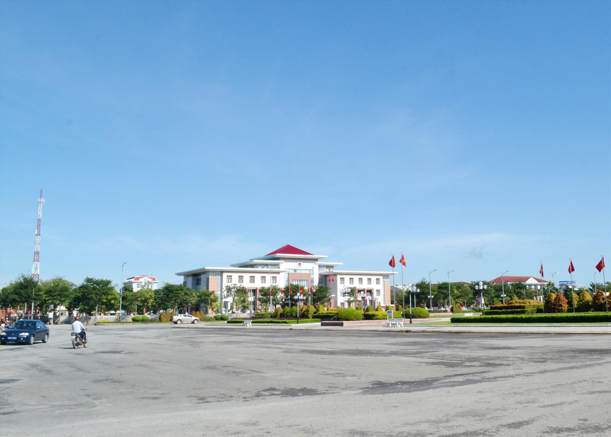 Thị trấn Núi Thành mở rộng đã cơ bản đạt các tiêu chuẩn của đô thị loại IV. Ảnh: VIỆT NGUYỄN