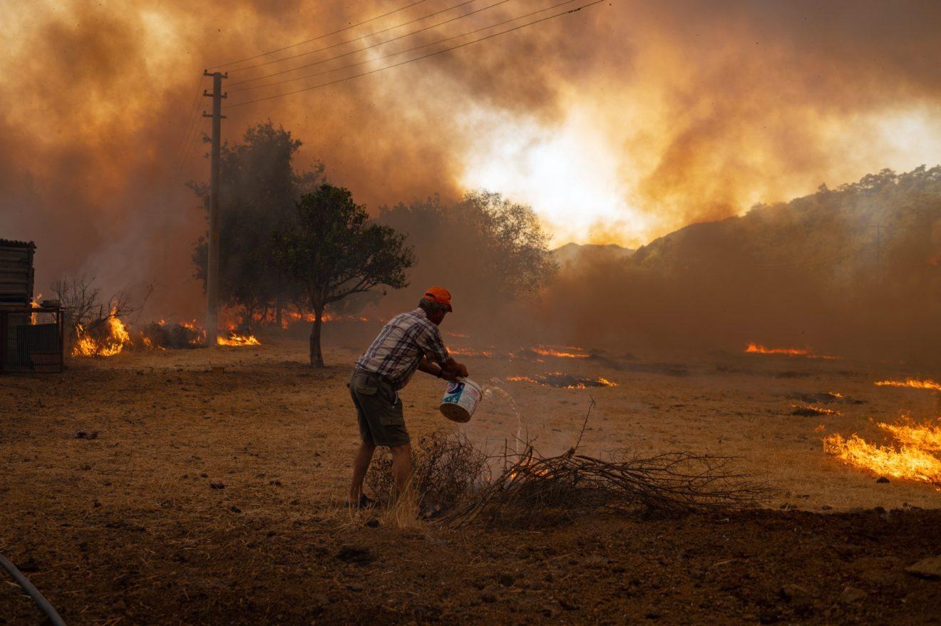 Biến đổi khí hậu khiến thời tiết diễn ra khắt nghiệt tại nhiều nơi trên thế giới. Ảnh: gettyimages
