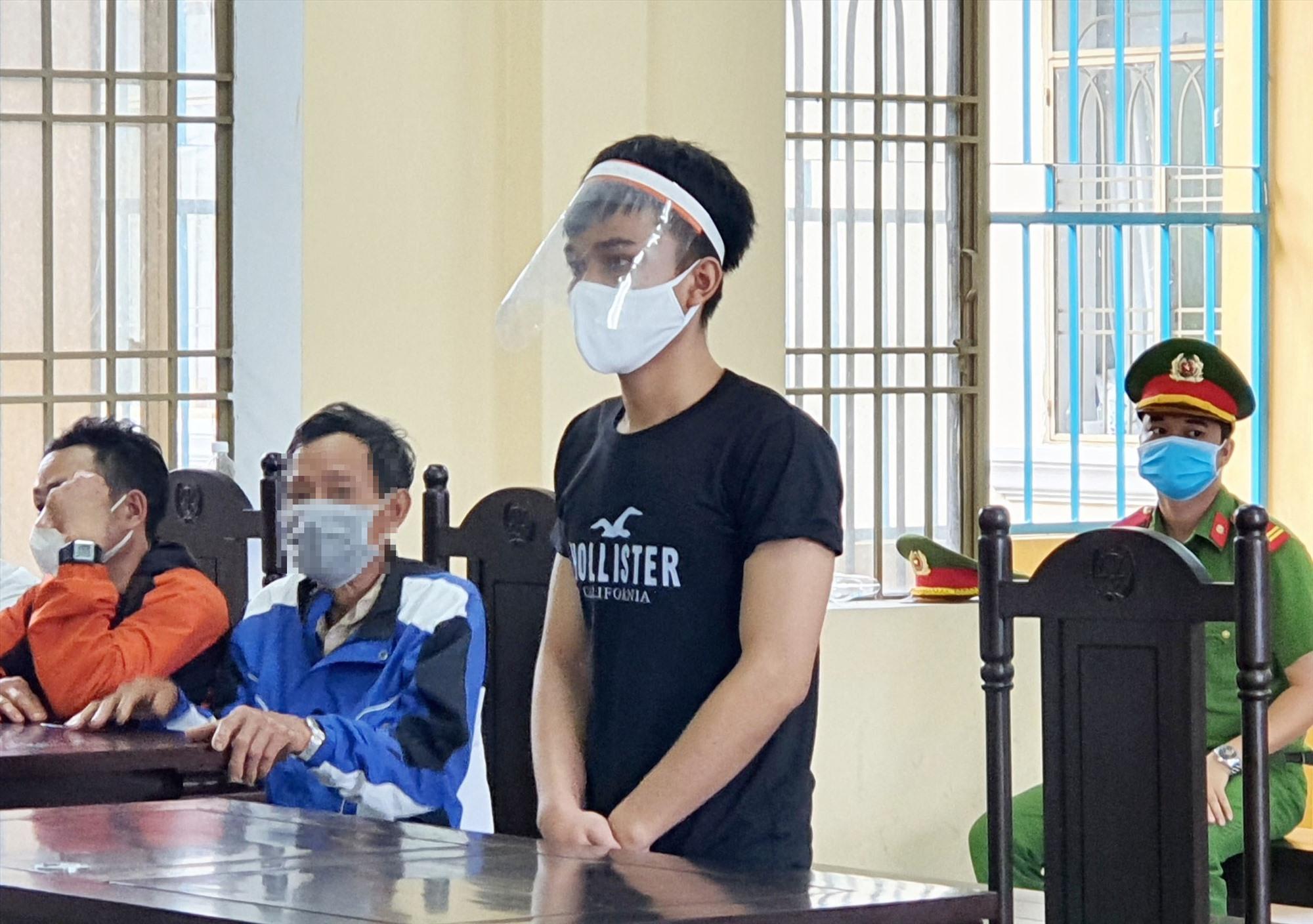 Bị cáo Hồ Văn Kiên tại phiên tòa. Ảnh P.L.