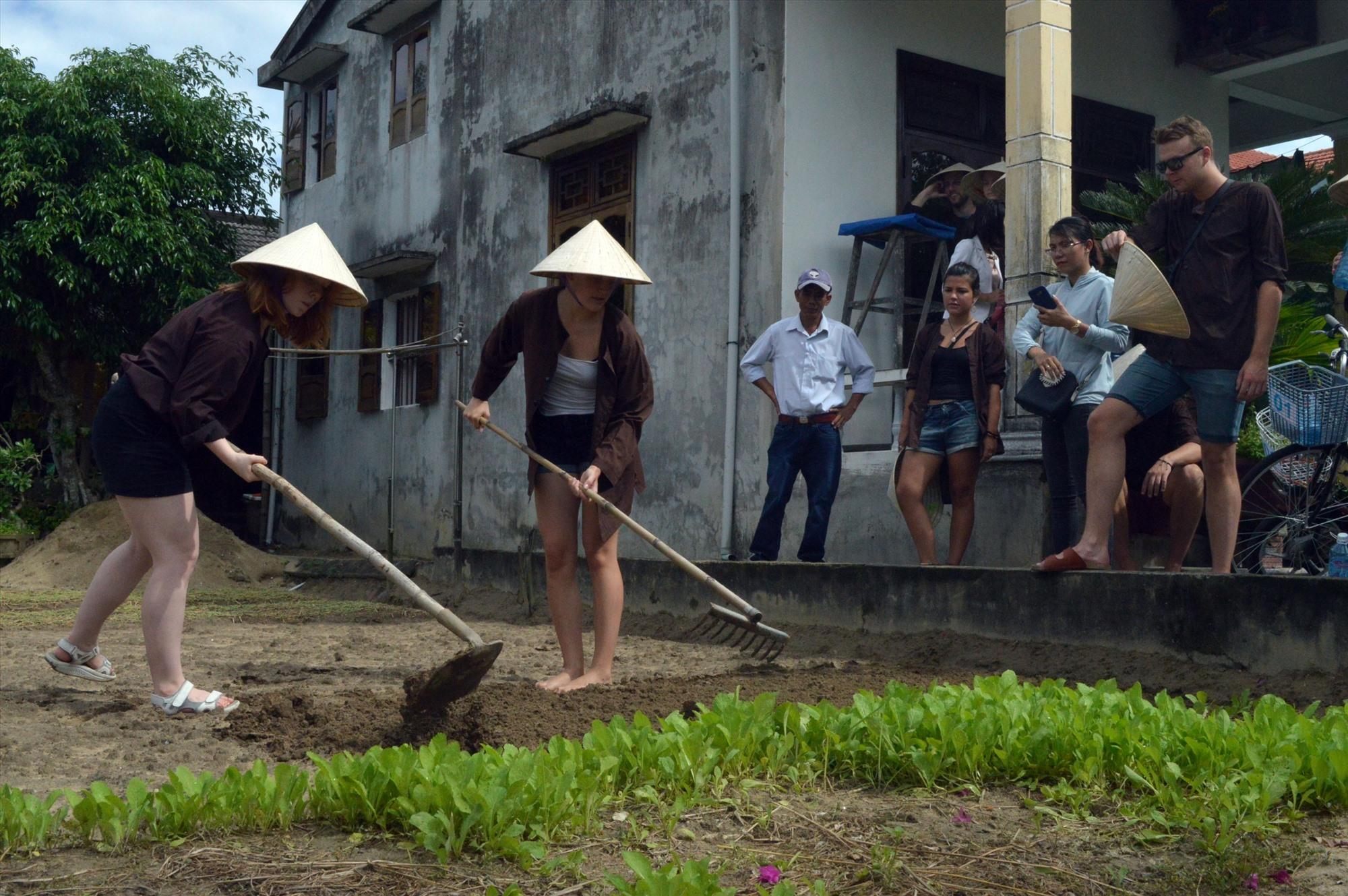 Du lịch Xanh, chia sẻ lợi ích với cộng đồng đã được Quảng Nam triển khai từ vài năm nay.