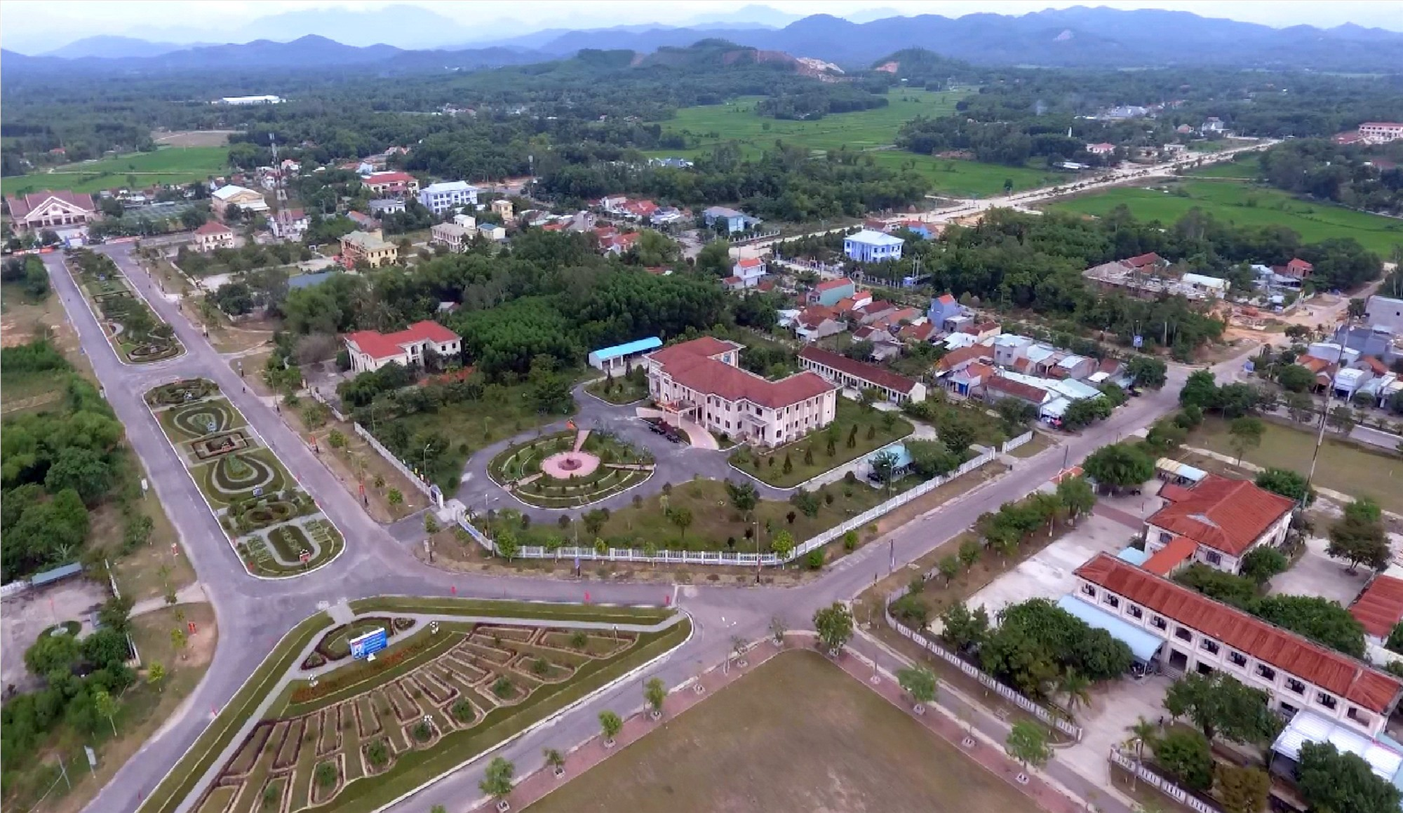 Chuyển đổi số là hướng đi tất yếu giúp Phú Ninh phát triển toàn diện kinh tế - xã hội. Ảnh: Đ.V