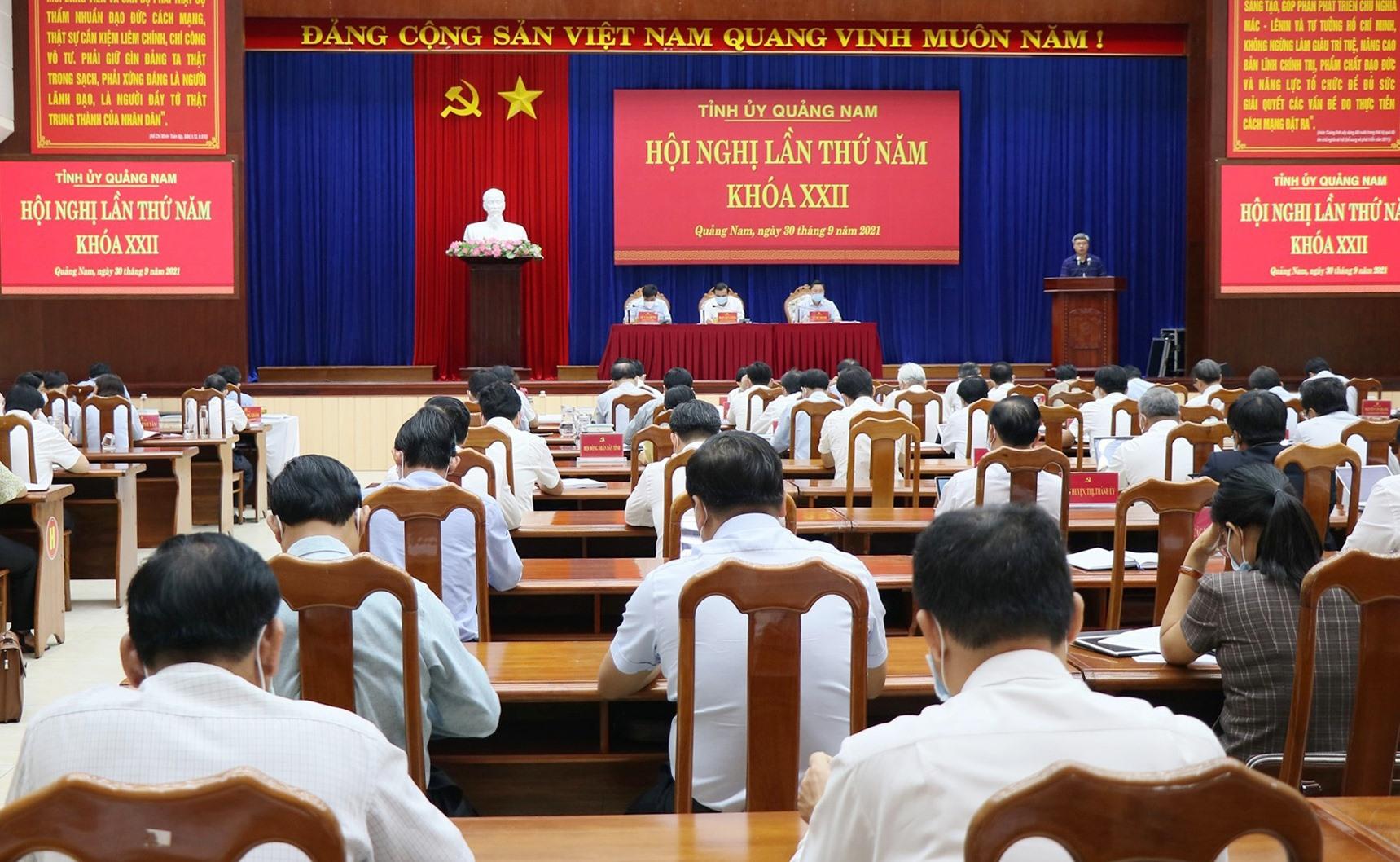 Quang cảnh Hội nghị Tỉnh ủy lần thứ 5 (khóa XXII) diễn ra sáng nay 30.9. Ảnh: N.Đ