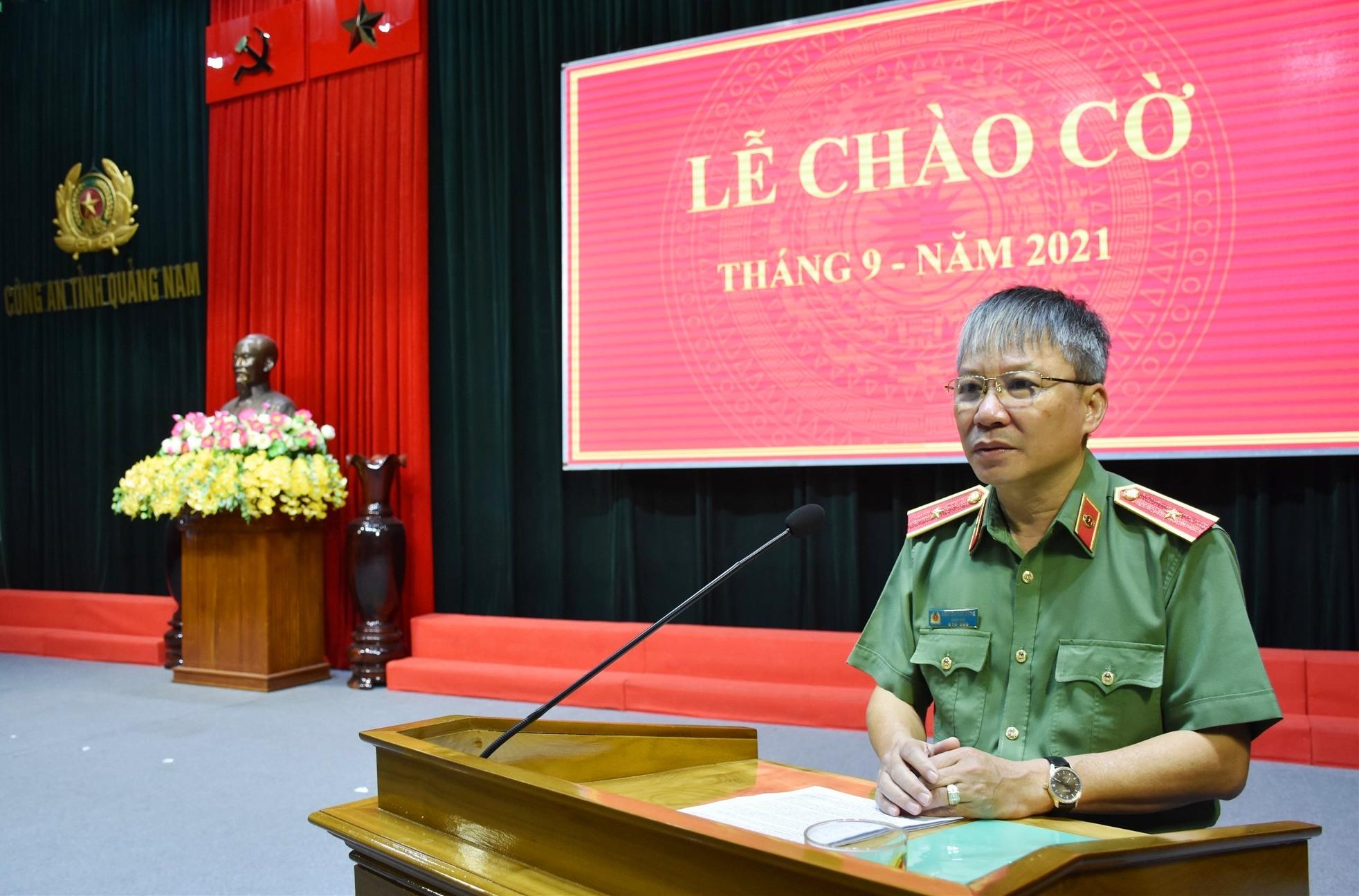 Thiếu tướng Nguyễn Đức Dũng - Giám đốc Công an tỉnh phát động hưởng ứng phong trào thi đua trong toàn lực lượng Công an tỉnh. Ảnh: M.T