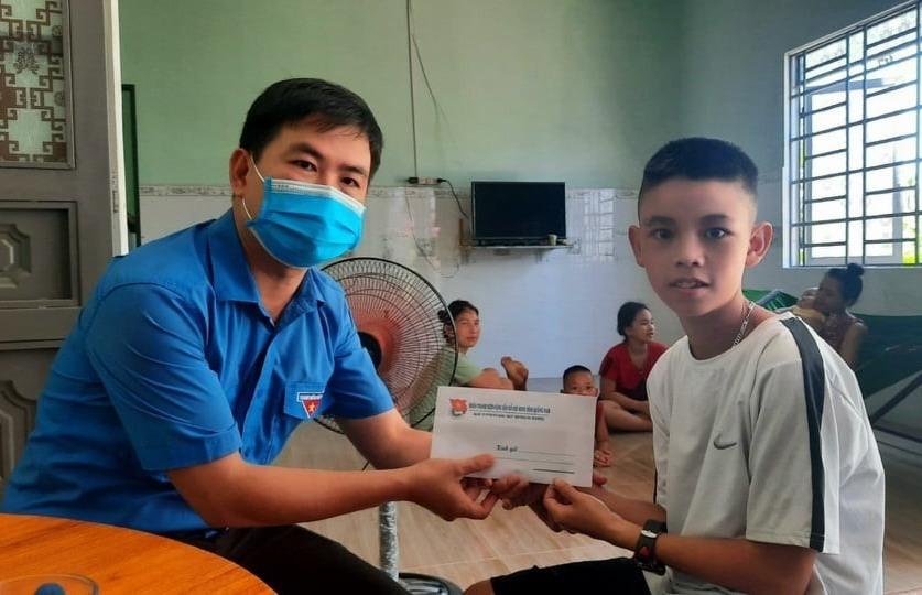 Hội đồng Đội tỉnh Quảng Nam trao 210 suất học bổng cho học...