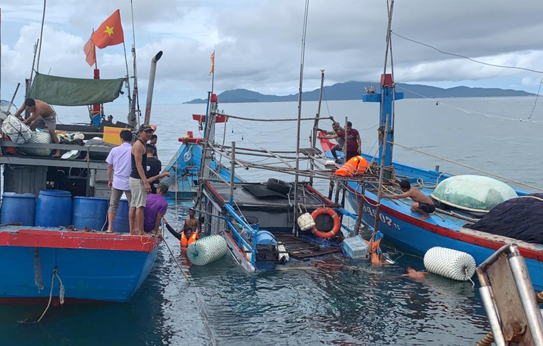 Trục vớt tàu