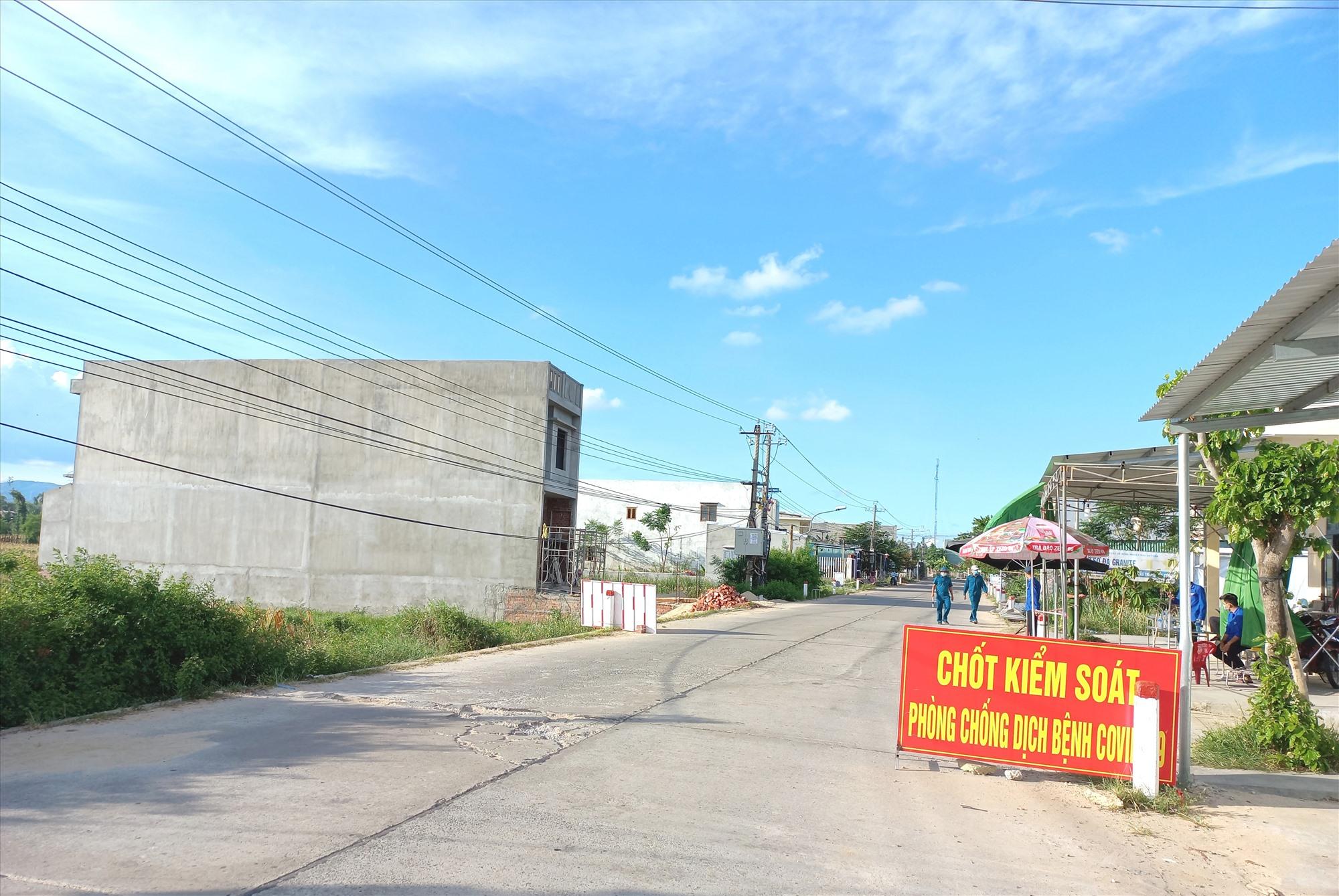 Chốt kiểm soát trên đường ĐT609C đã được tháo dỡ sau khi xã Đại An hết giãn cách xã hội theo Chỉ thị 16. Ảnh: CT