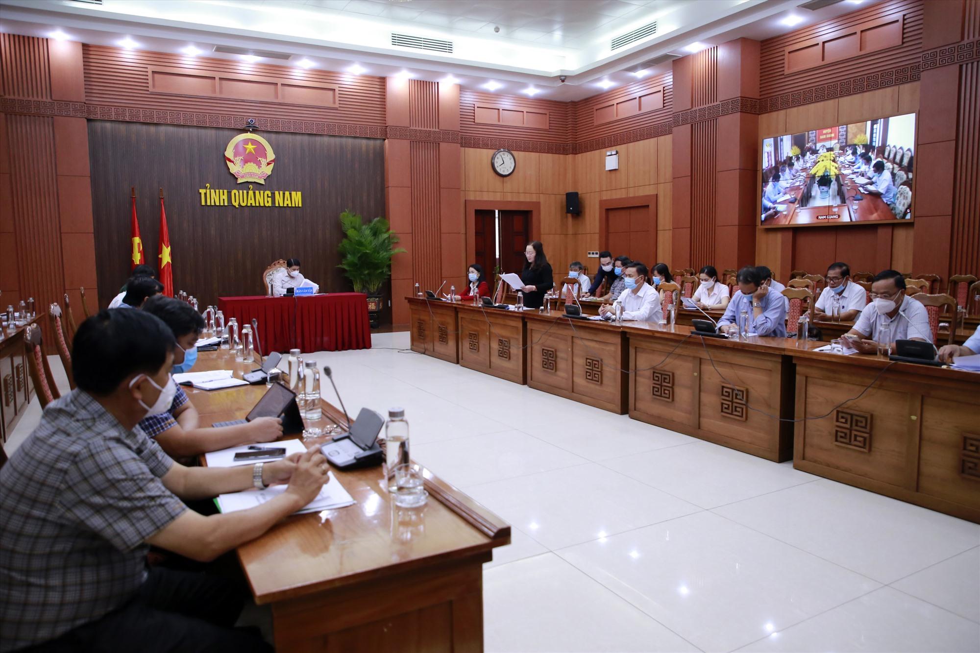 Nhiều ý kiến đóng góp được trình bày tại hội nghị trực tuyến về xử lý chất thải rắn tổ chức vào sáng qua 9.9. Ảnh: T.C