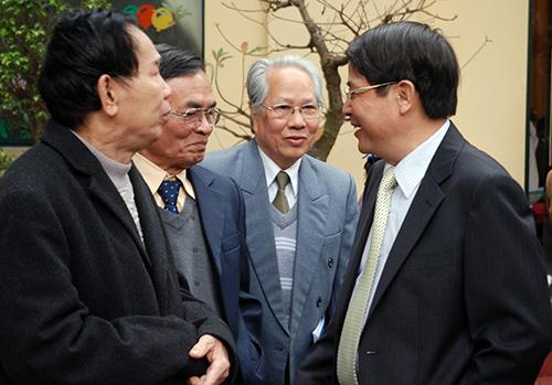 Bí thư Tỉnh ủy Nguyễn Đức Hải với bà con đồng hương Quảng Nam tại Hà Nội.Ảnh: M.KIỆT