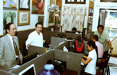 Mr. Tran Minh Hung always direct support staffs.